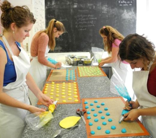 girls making macarons