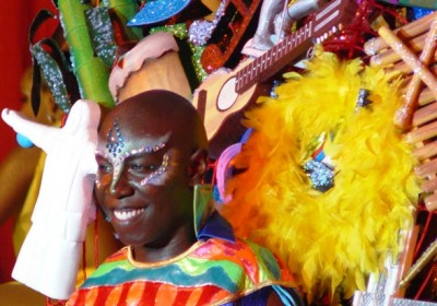 A colourful El Delirio cabaret performer