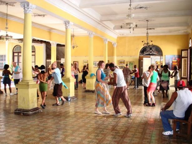 Salsa holidays dancers in Cuba